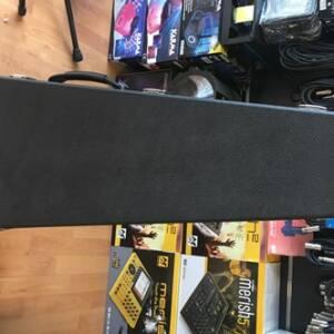 astuccio rigido per chitarra elettrica Squier Stratocaster